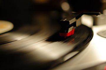 Gramophone-record-gramophone-record-record-phonograph-record-vinyl-record-1920x1080